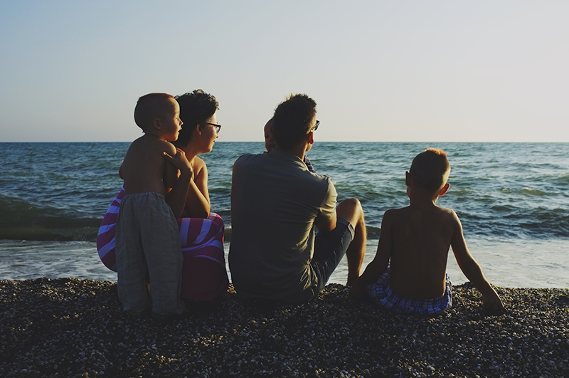 family_on_the_sea